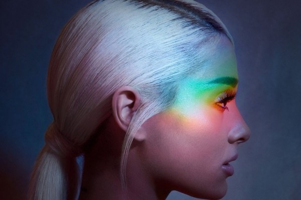 Ariana Grande releases a new song andvideo!