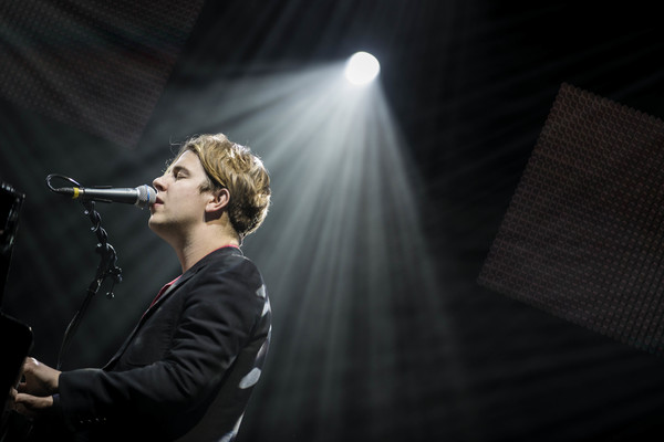 Artist of the Day: Tom Odell