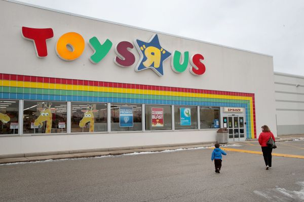 Toys 'R' Us becomes 100%Canadian-Owned